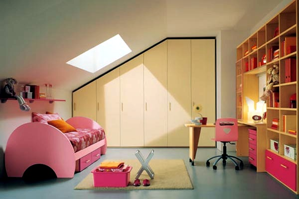 23-decorating-ideas-for-kids-room-with-pitched-roof-1-1533402788